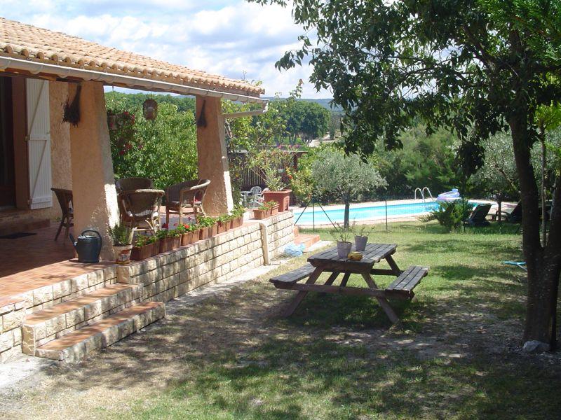 La vie en provence vakantiehuis zwembad omschrijving - Pergola provencaalse ...